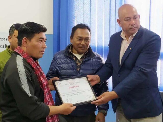 नेपाल फुलकन्ट्याक कराँते महासंघद्वारा प्रमाण पत्र वितरण